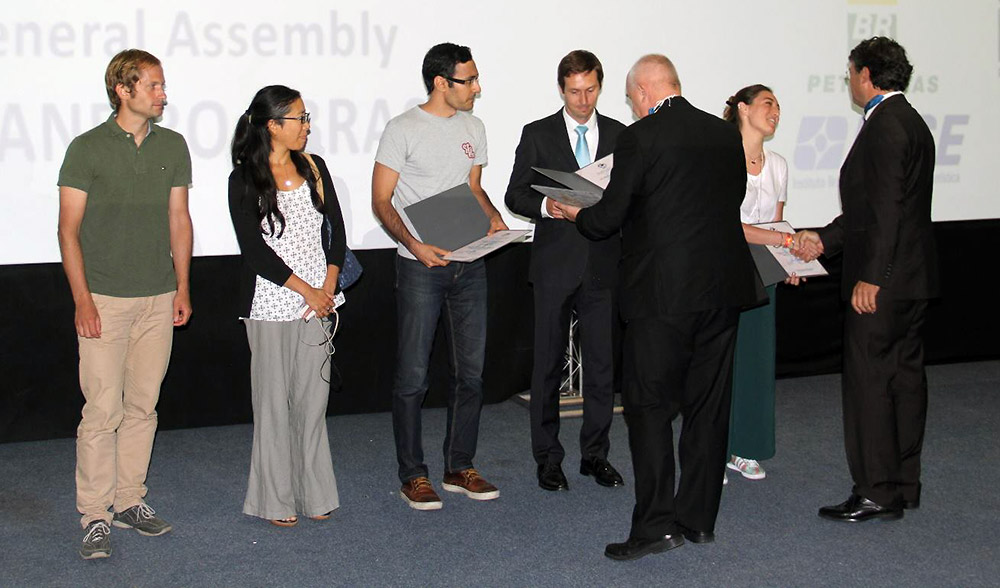 Amin Mobasheri (middle) receiving the ICA research scholarship award from Georg Gartner (ICA president) and Laszlo Zentai (ICA treasurer) during the ICC'2015 conference, Brazil